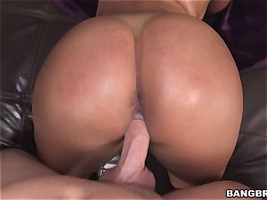 Sofia Char gets her muff eaten and pummeled