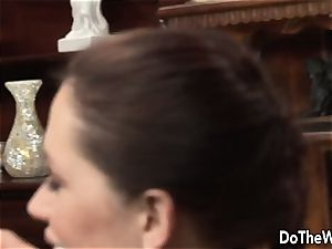 black-haired wife Karia Kare liking strangers spunk-pump