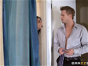 thick breasted Ava Addams cheats in the shower