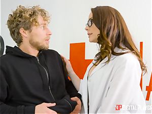 Chanel Preston gets her twat packed up with the trunk of Micheal