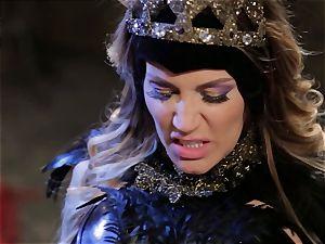 Mean princess Jessica Drake in super-hot humping parody