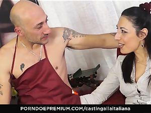 casting ALLA ITALIANA - Italian cougar newcomer loves assfuck