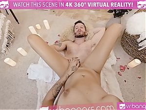 VR porno - Thanksgiving Dinner becomes ultra-kinky ravaging