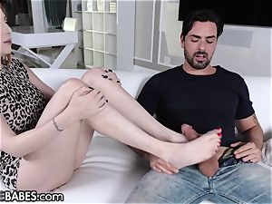 FootsieBabes big-boobed sandy-haired cougar Wants to witness His cock