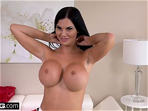 Jasmine Jae wants to practice american rod