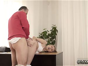 first-timer platinum-blonde douche Stranger in a fat mansion knows how to super-hot you up
