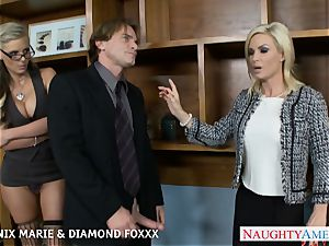 Blondes Phoenix Marie and Diamond Foxxx nail in foursome