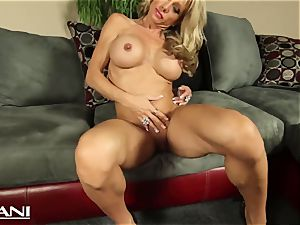 sport honey thumbs her vagina and kneads her huge clitoris