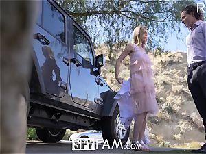 SPYFAM Step sista CREAMPIED for bruising car