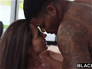 BLACKED cougar only pounds big black cock