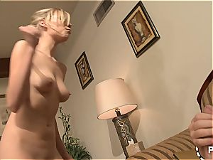 Nicole Ray fellating new meat