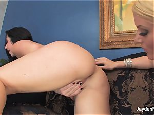 Jayden Jaymes and Sophie Dee get doofy and jaw-dropping