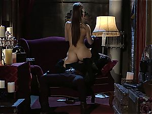 Dani Daniels implementing cogs and jizz-shotguns in her steampung dream