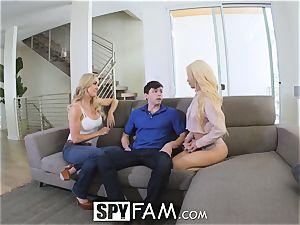 SpyFam Step mom Brandi enjoy gives Elsa Jean hump advice
