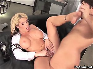 gassy Brooke Haven gets boned up her pinkish cunny