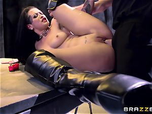 Katarina Jade shows how it should be done
