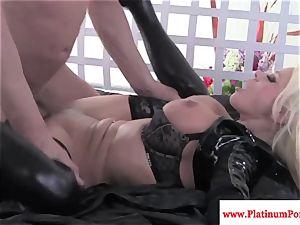 Nikita Von James gets throatful of spunk after poking