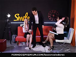LOS CONSOLADORES - bulky bone for two uber-sexy honies