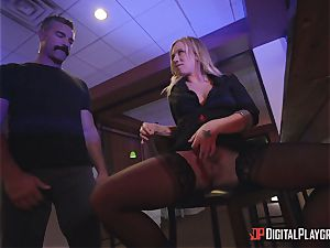 Bailey Brooke screwed in the labia in the toilet