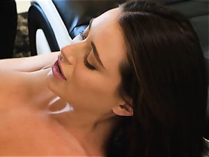 Lana Rhoades slides that rock-hard fuck-stick into her super-steamy minge