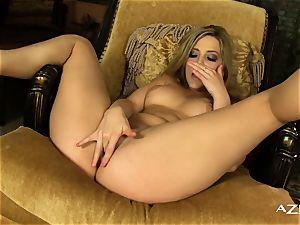 Alexis Texas pumps her cooch