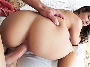 Cassidy Klein wants her sexy session on camera
