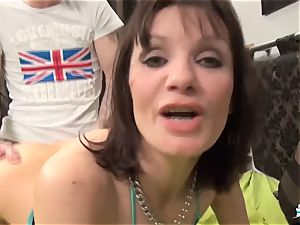 La Cochonne - Mature French first-timer loves rump going knuckle deep