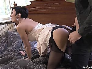 milf with short hair nasty for a fine dicking