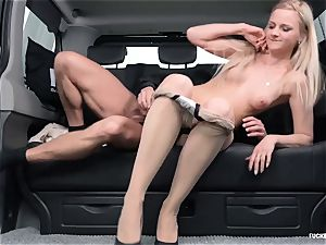 pulverized IN TRAFFIC - super-hot backseat fucky-fucky with Czech towheaded