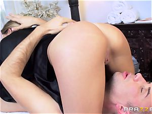 Getting a crazy rubdown from pretty beauty Subil arch