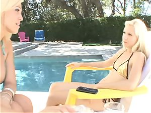SEXYMOMMA - cougar Ava Delane tempts her stepdaughter