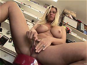 red-hot Devon Lee loves teasing her edible moist clit