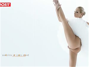 Czech ballerina stretches before mighty lovemaking with paramour